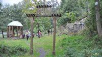 Vstupní brána do areálu křížové cesty