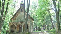 Celkový pohled na čelní stranu kaple sv. Jáchyma