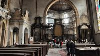 Interiér kostela - hlavní oltář