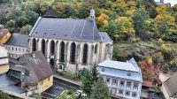 Městský kostel Nanebevzetí Panny Marie v Krupce, pohled z hradu