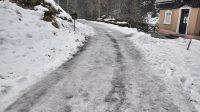 Zledovatělá cesta Kyjovským údolím