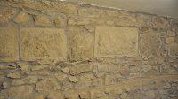 Původní hradní zdivo v základech zámku