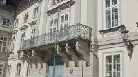 Balkon nad vstupem (červen 2012)