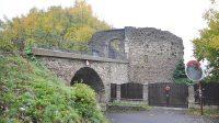 Přístupový most do hradu z Horské ulice