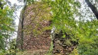 29. 6. 2014 - bergrift stojící vně hradního jádra
