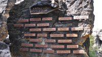 Symbolický horolezecký hřbitov