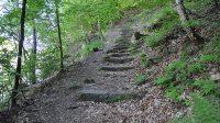 Výstup z Hřenska do skal