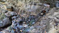 Kameny pod vodopádem