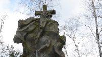 Zadní strana sochy sv. Luidgardy (nebo alegorie Víry)