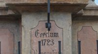 Nápis na podstavci pod sv. Floriánem