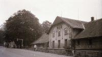 Nedochovaná budova pod nejdeckým zámkem (počátek 80. let 20. století)