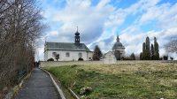 Hřbitov s kostelem Nejsvětější Trojice a hrobkou rodiny Schmittů