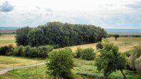 21. 9. 2021 - lesík s cihelnou z návrší nad Kamennými slunci